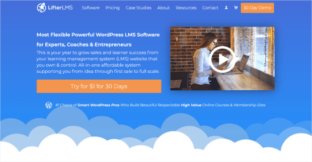 LifterLMS homepage to market your online course